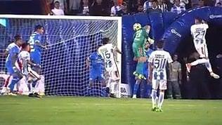 Oscar Perez, il portiere goleador:al 93' segna terza rete in carriera