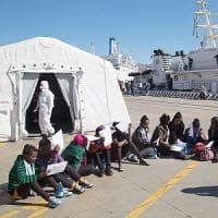 Migranti e Ong, così Unicef risponde ai troll della Rete