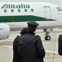 Alitalia e la manovra al centro della scena. A Piazza Affari attesa per