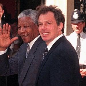 """Tony Blair: """"Un errore uscire dall'Ue, basta frontiere chiuse, così la sinistra muore"""""""