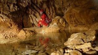Rieti, nella notte scossa del 3.1, mentre è in corso il salvataggio di una speleologa rimasta ferita ieri nella grotta della Sibilla