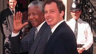 """Tony Blair: """"Un errore uscire dallUe, basta frontiere chiuse, così la sinistra muore"""""""