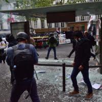 Primo maggio: scontri a Parigi, 4 poliziotti feriti. Disordini a Istanbul, 200 arresti