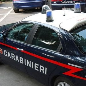 Litiga con un vicino, donna uccisa a coltellate nel Cagliaritano