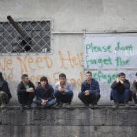 Serbia, chiuse le frontiere aumentano le violenze sui migranti: il racconto