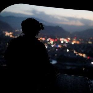 Kabul, attentato a un convoglio di truppe straniere: morti otto civili