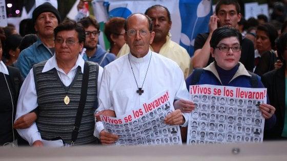 «Io, il prete che i narcos vogliono morto»