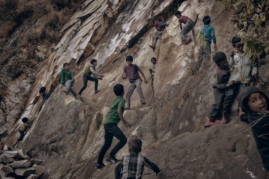 Tra i contadini dell'Himalaya dove la marijuana è sopravvivenza