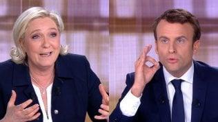 Francia, Macron denuncia Le Pen su voci conto Bahamas