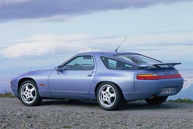 Buon compleanno Porsche 928