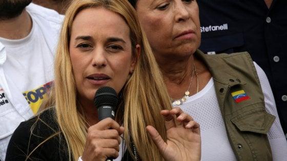 Venezuela, domani solo donne in piazza vestite di bianco e con un fiore contro repressione e per la democrazia