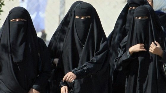 Arabia Saudita, re apre alle donne: eliminato in parte 'tutoraggio maschile'