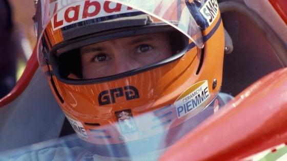 """Gilles Villeneuve, 35 anni fa l'addio alla leggenda: al via la mostra """"Wow Gilles!"""""""