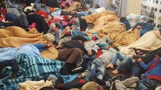 Migranti, un anno da 200mila sbarchi: ecco il nuovo piano del Viminale