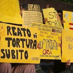 Legge contro la tortura, al Senato la maggioranza trova accordo. Ma l'esame è ancora rinviato