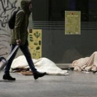 La sfida / 1: ridurre di almeno la metà la percentuale di chi vive in povertà