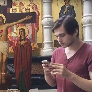Russia, gioca a Pokémon Go in chiesa: giovane vlogger condannato a tre anni