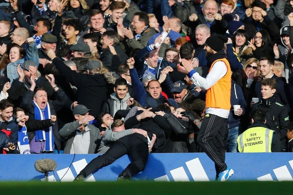 Chelsea, Conte vince la Premier League: le esultanze sfrenate di una stagione di successi