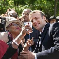 Macron presenta (quasi) tutti i candidati: metà donne, 52% debuttanti della politica e non c'è Valls