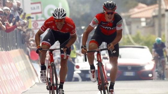 Giro d'Italia, la fuga va: Dillier beffa Stuyven