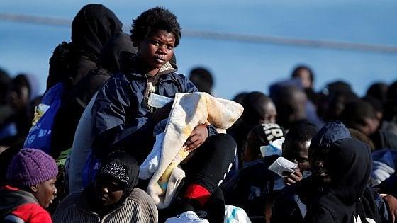 Migranti e ladri in casa: se la politica offre solo il diritto alla vendetta