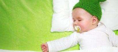 A letto, presto! Fa bene  al bambino e ai genitori   Come  fare addormentare i figli  di DAVIDE MICHIELIN