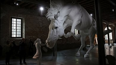 Venezia, ecco la Biennale 2017, L'arte è viva. E al femminile