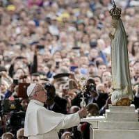 Il Papa a Fatima: abbattere muri