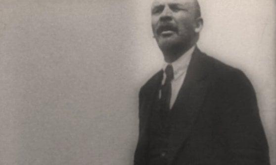 Il destino corre sul treno di Lenin. Quella notte in cui cambiò la storia