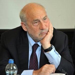 """Joseph Stiglitz: """"Cambiate l'euro, ora si può fare"""""""