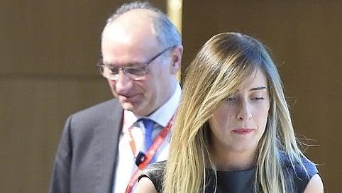 """Banca Etruria, M5S: """"Ora commissione inchiesta più urgente"""". E Renzi attacca De Bortoli: """"È ossessionato da me"""""""