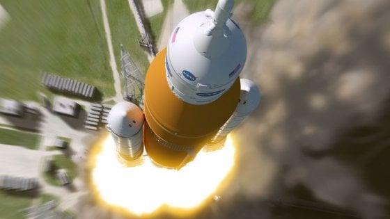 Scontro Trump-Nasa: l'Agenzia dice no ad astronauti oltre la Luna