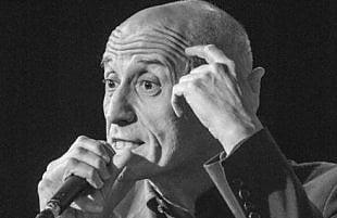 """Servillo, omaggio alla tradizione: """"Scétate"""" sul palco con Danilo Rea"""