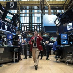 I mercati toccano nuovi massimi con il recupero del for Mercati oggi a milano