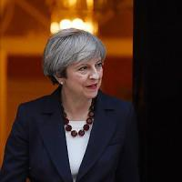 Theresa May e le armi spuntate dell'Italia