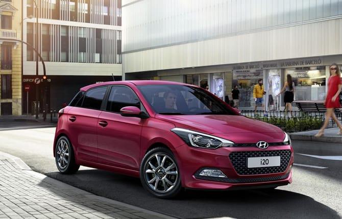 Hyundai i20, la gamma si rinnova