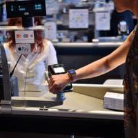 Apple Pay, senza contanti né carta di credito: la spesa si farà con lo smartphone