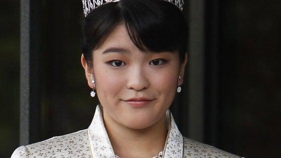 Impero addio, la principessa del Giappone sposa l'ex compagno di università