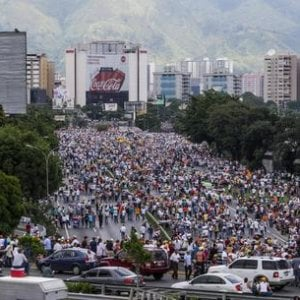 Venezuela, il disastro sociale e le proteste quotidiane anti-Maduro