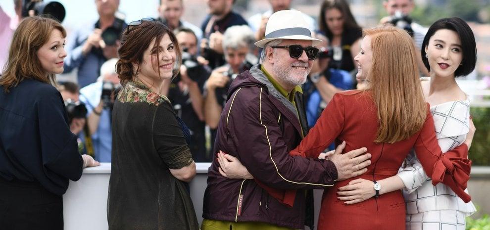 """Cannes, Netflix sì o Netflix no. Almodovar: """"Paradosso Palma senza sala"""""""