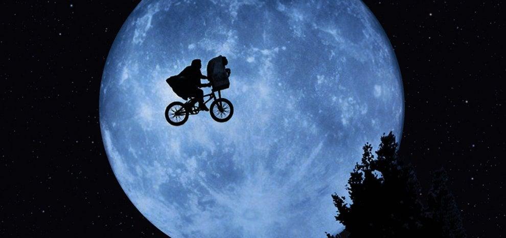 'E.T. - L'extra-terrestre' compie 35 anni, la faccia buona della fantascienza