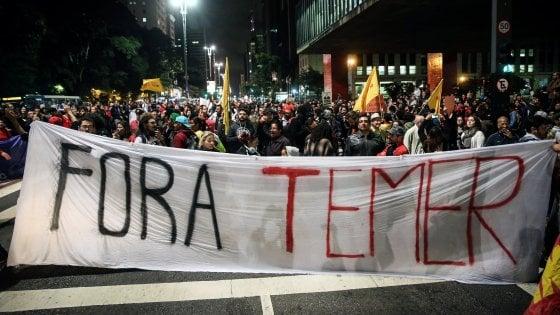 """Brasile nel caos, un audio 'incastra' il presidente Temer per corruzione: """"Non mi dimetterò"""""""