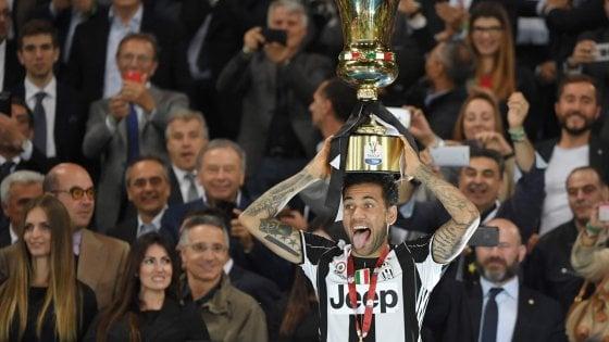 Juventus, la testa a Cardiff: annullate tutte le feste. I record di Dani Alves