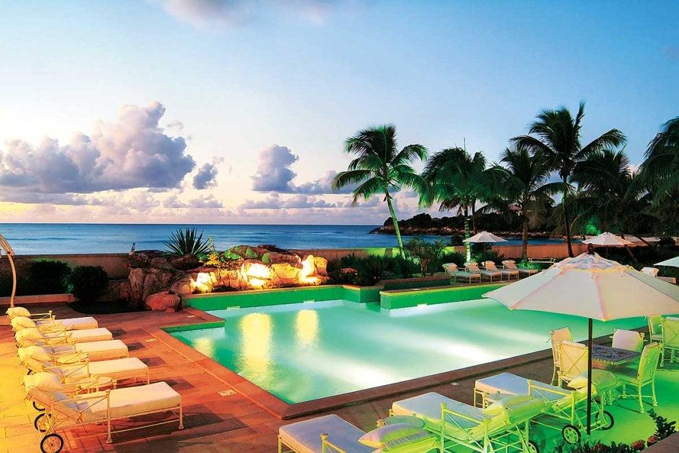 Lusso e mare cristallino: Donald Trump vende una villa principesca ai Caraibi. Il presidente però rischia conflitto di interessi