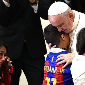 """Huntington, il Papa ai pazienti: """"Non nascondetevi più"""""""