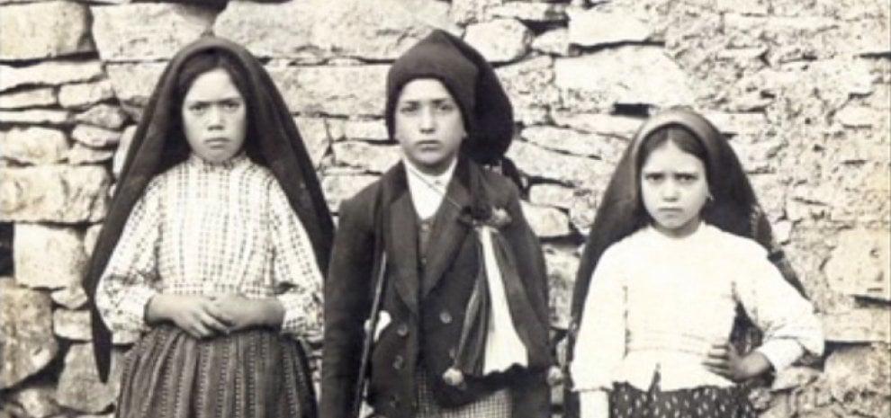 Cannes, Pontecorvo fa un film sui pastorelli santi di Fatima. Nel cast Harvey Keitel e Sonia Braga