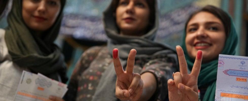 Iran al voto: sfida tra Rohani e Raisi