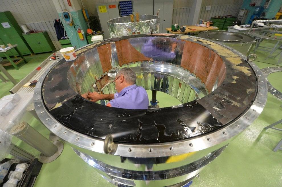 """Nell'ex fabbrica San Giorgio: """"Addio lavatrici, ora costruiamo il Sole"""""""