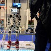 Classi basse, operai e over 55: ecco a chi fanno più paura i robot
