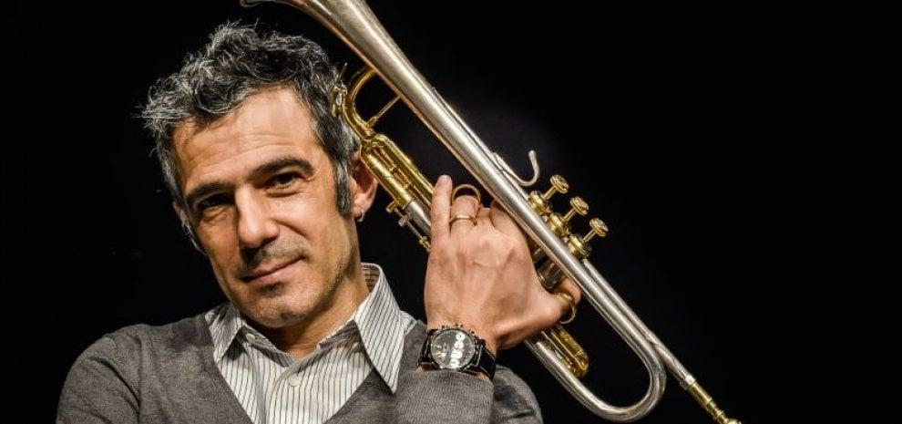 """Paolo Fresu, 'La musica siamo noi', dopo il jazz un libro: """"La mia arte in espansione"""""""